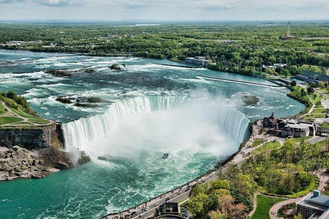 Niagara Falls Day and Evening Tour from Toronto With Niagara SkyWheel