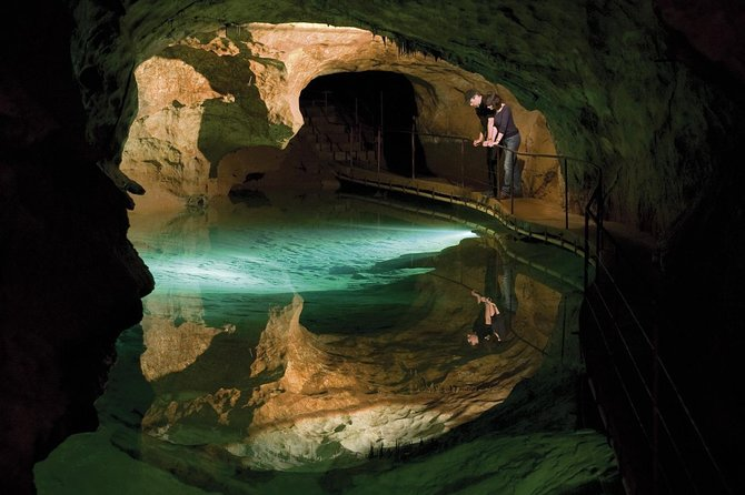 Private Tour: Jenolan Caves & Blue Mountains in a day photo 2