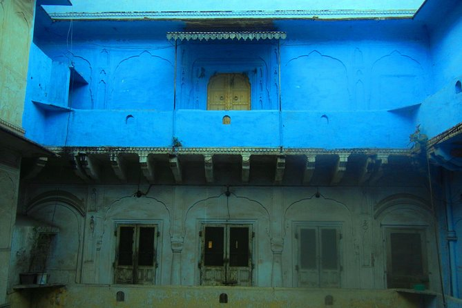 The Original - Artisans & Architecture of Jaipur – Afternoon Heritage Walk photo 4