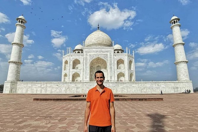 Taj Mahal Tour With Guide, Lunch, And Tickets