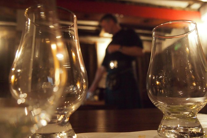 Small Group Edinburgh Whisky Tour and Tasting with Private Option