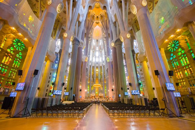 Montserrat Monastery and Sagrada Familia Tour with Liquor Tasting photo 10