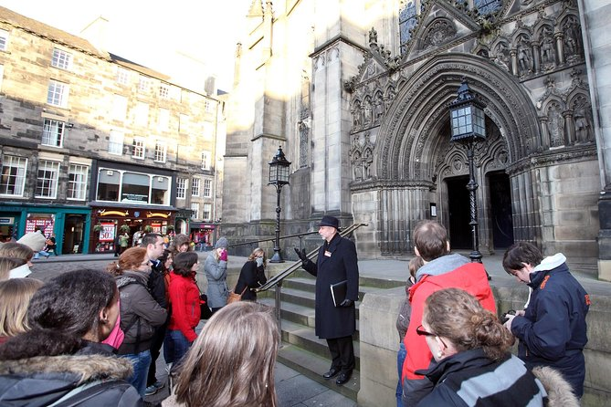 Historical Walking Tour with Optional Skip the Line Entry to Edinburgh Castle