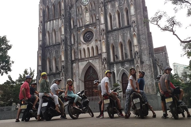 Small-group motorbike sightseeing and food tour in Hanoi