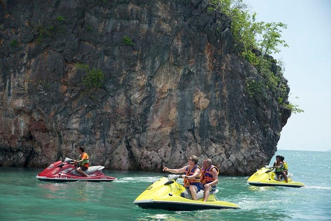 Shared Discover Magical Islands Jet Ski photo 8