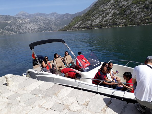 Private tour with speed boat - Perast and Lady of the rock