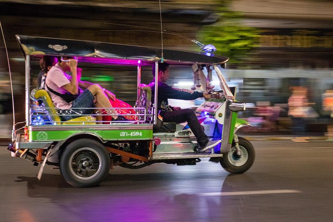 Bangkok Tuk-Tuk Ride & Bite Night Tour: Best Landmarks & Street Food Hot Spots