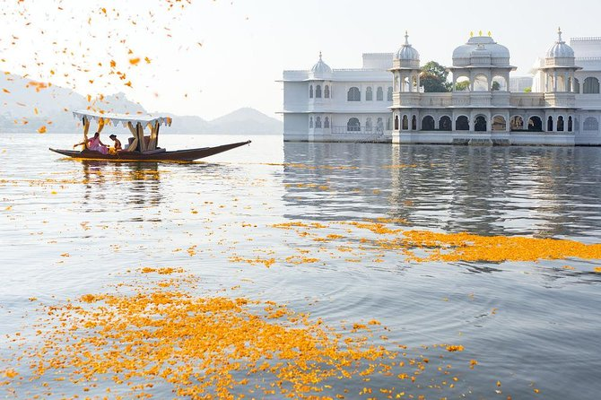 Guided Udaipur Tour With Drop Off To Jaipur Next Day.