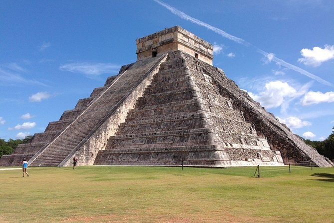 Chichen-Itza, Ik-Kil cenote, Valladolid All Day Tour with Lunch