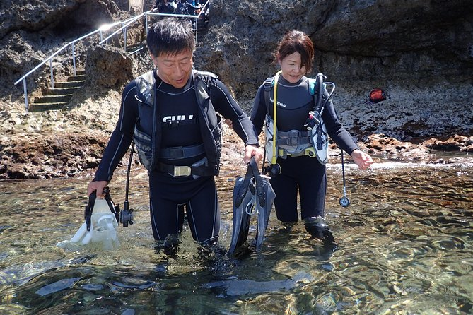 Blue cave experience diving! 【Okinawa Prefecture】 Feeding & photo images free! English, Chinese, Korean guide available! 1 group with a dedicated instructor ☆