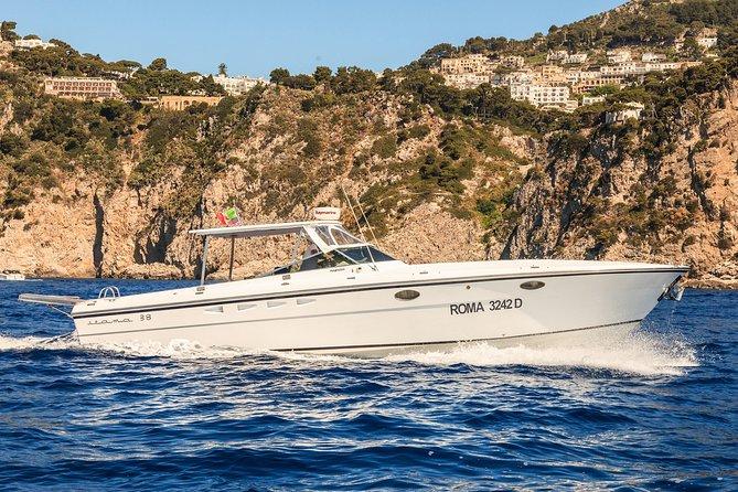 Half day around Capri by Itama 38 speedboat