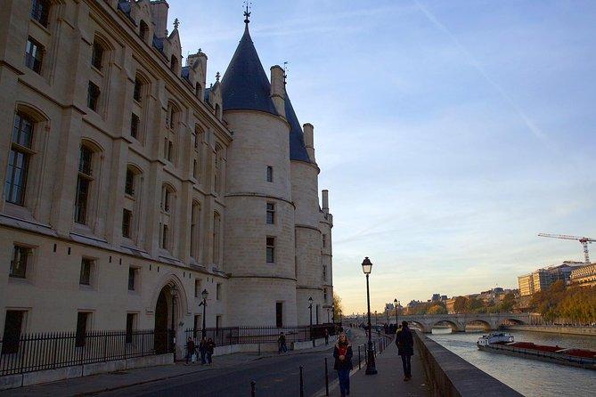 Heart of Paris: Île de la Cité, Seine Cruise, and Skip-the-Line Sainte Chapelle