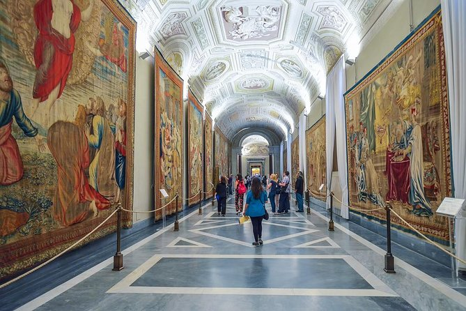 Vatican Museums, Sistine Chapel, St. Peter's Basilica tour + fast track photo 6