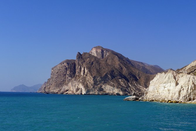 West of Salalah private tour - fascinating mountains and beaches