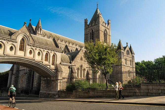 Essential Private Dublin walking tour for up to 5 people
