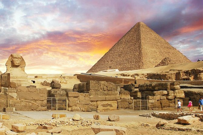 Private Tour to Giza Pyramids and The Egyptian Museum