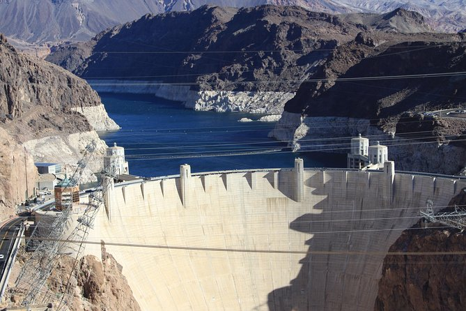 Deluxe Petit Tour of Hoover Dam, Lake Mead and Historic Boulder City photo 8