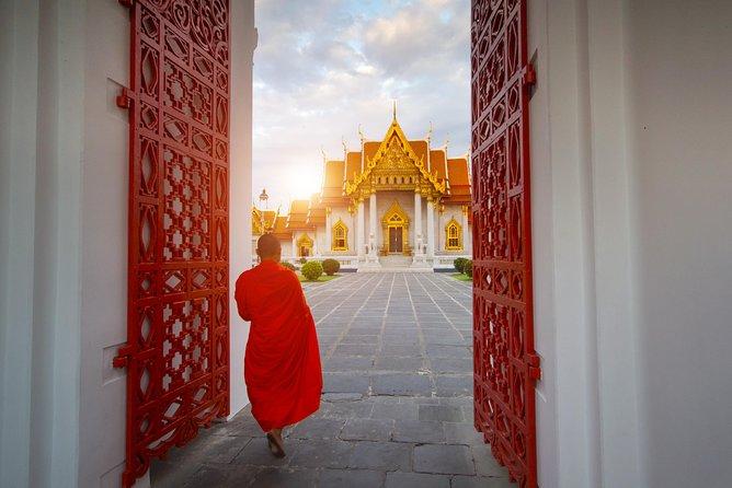 Temples Hidden In Plain Sight - 2 Amazing Hidden Temples of Bangkok