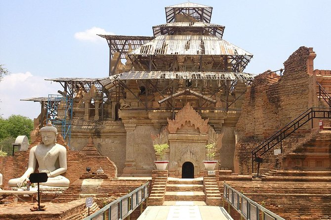 Temples & tortoises - private car from Mandalay to Bagan
