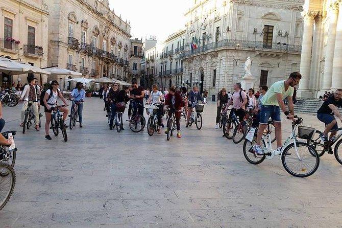 Tour in bike history Island Ortigia and archeological park Neapolis