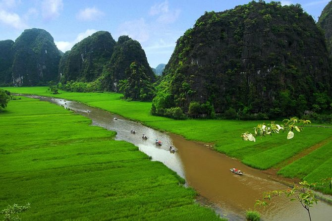 Tam Coc and Hoa Lu Private Day Tour