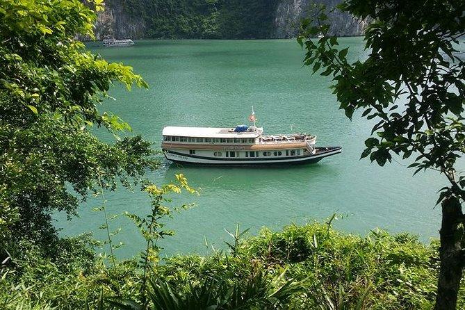 Private tour 4 days Cat Ba Island trek kayak relax with Lan Ha Bay cruise