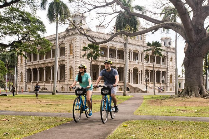 Self-guided bike tour of Waikiki and Honolulu