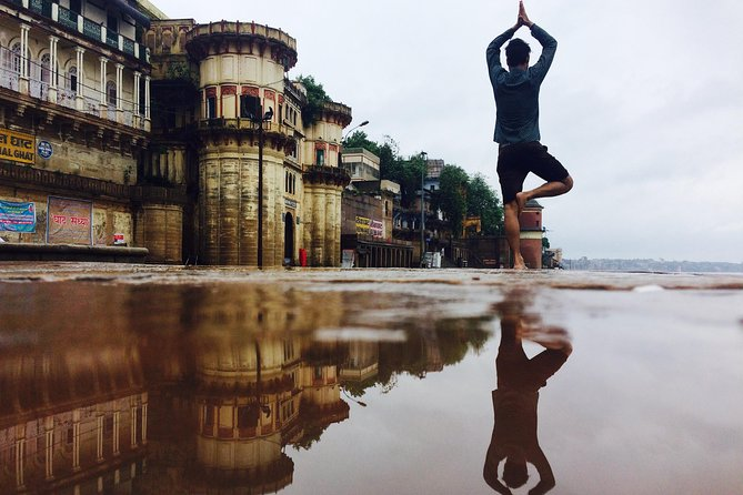Varanasi Morning Yoga on Ganges Ghats with Boat Ride Tour