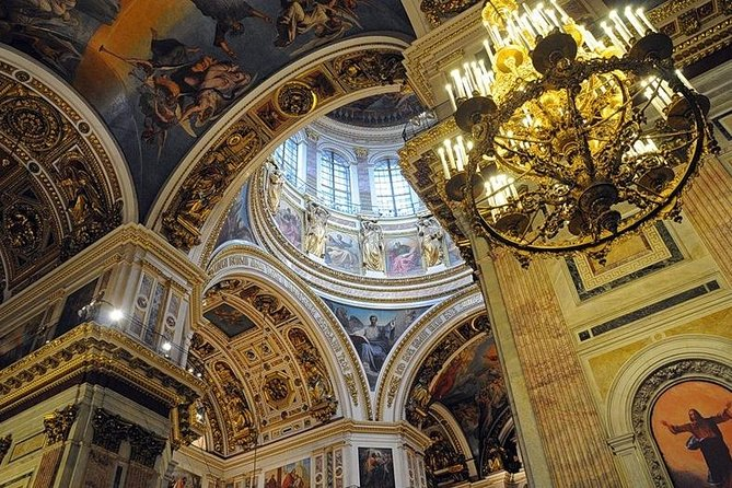 Walking tour St Isaac cathedral and Church of the Savior on Spilled Blood