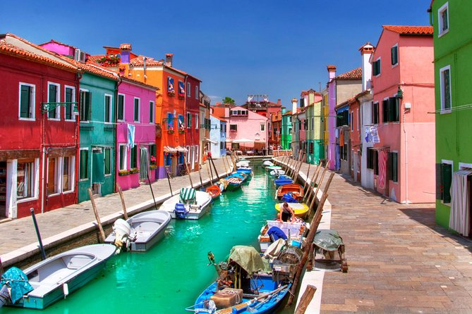 Private Cruise: Murano and Burano from Venice