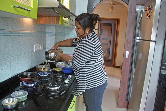 Private Authentic Regional Cooking Class and Market Visit in Mumbai, Santacruz