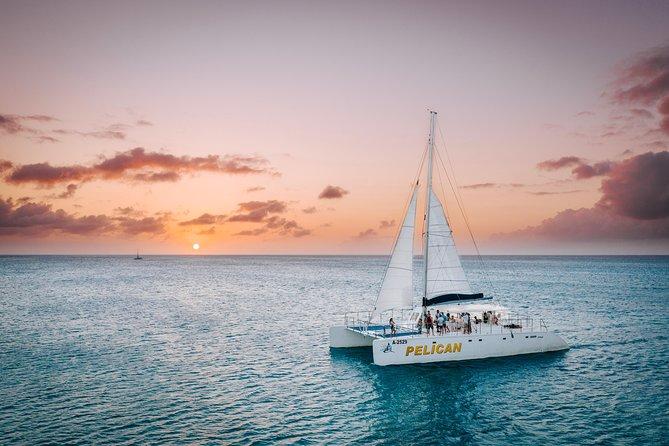 Experiencia de navegación al atardecer en Aruba