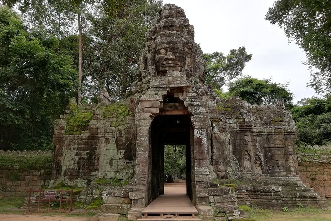 Angkor Wat Private Driver Tours to Angkor Wat Sunrise, Angkor Thom & Ta Prohm