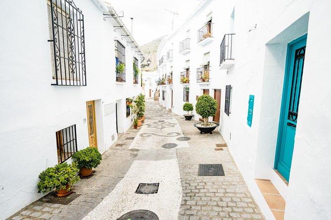 Skip the line Nerja & Frijiliana Day Trip from Málaga