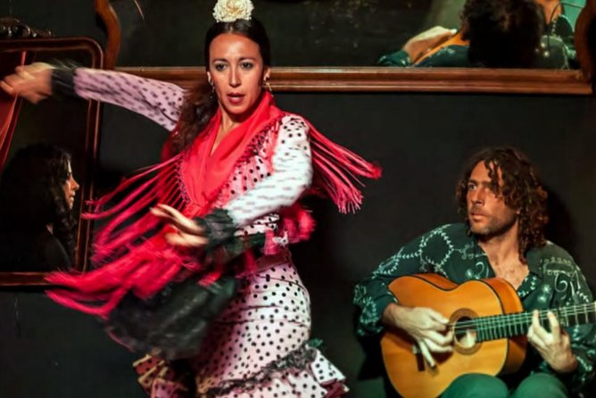 Flamenco, Tapas and Horse Drawn Carriage.