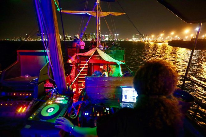 Boat Party by Night in Rio de Janeiro Admission & Transfer