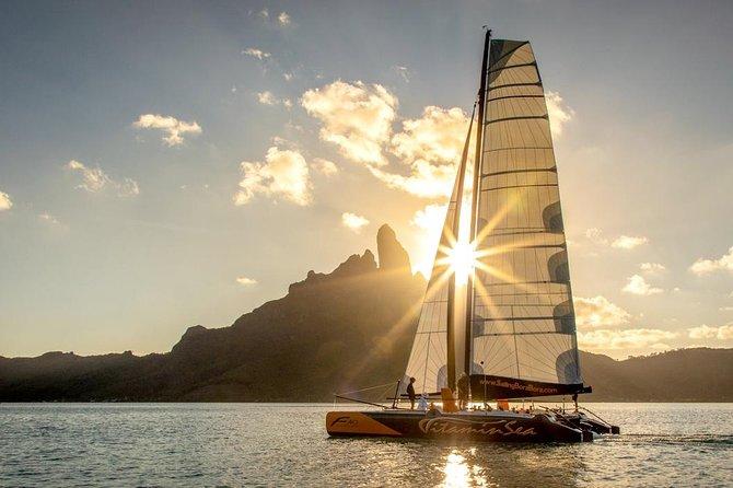 Bora Bora al tramonto a bordo del catamarano 2020