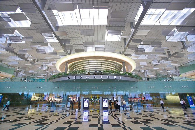 Singapore Airport: Shared Arrival or Departure Car Transfer to Sentosa