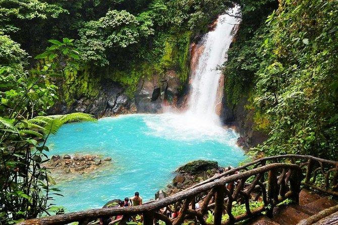 rio celeste water fall