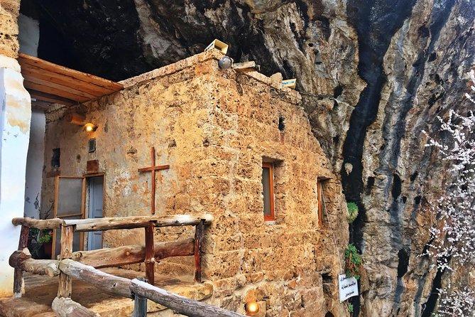 Hike St Lichaa Monastery to Qannoubine Monastery - Qadisha Valley