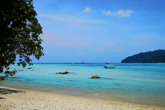 Snorkeling Day trip to Surin Island