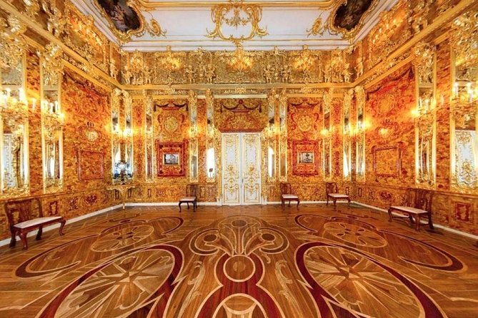 Peterhof Park and the Catherine Palace group tour with Amber Room in 1 Day