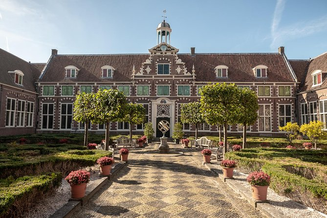 Private tour of Haarlem & Frans Hals Museum with Luxury Car