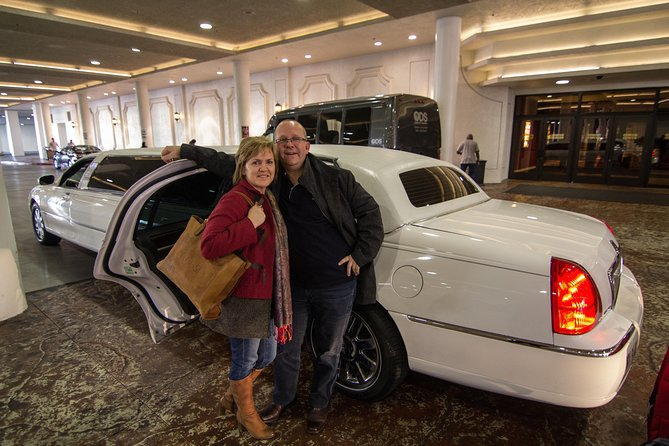 Private Las Vegas Hotel to Airport Luxury Limousine Transfer photo 7