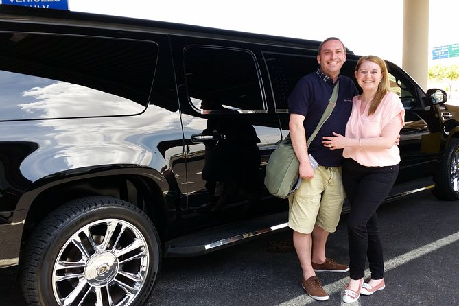 Private Las Vegas Hotel to Airport Luxury Limousine Transfer photo 8