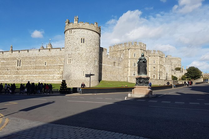 Private driver to visit London, Windsor, Bath, Stonehenge or Oxford