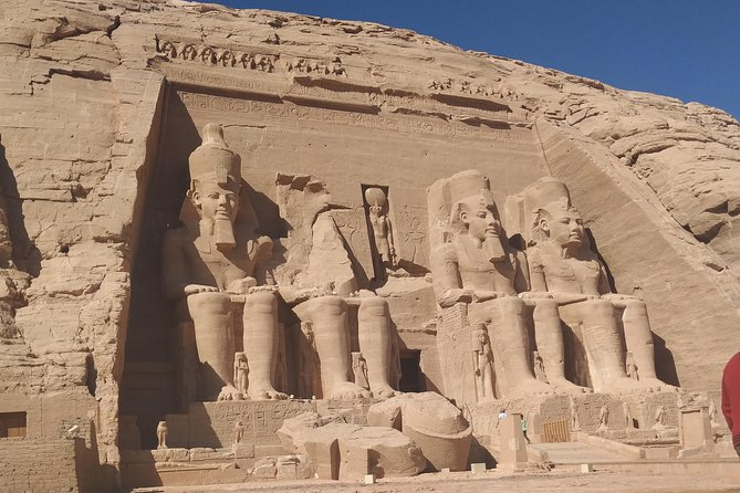 Abusimbel tour with bus from Aswan
