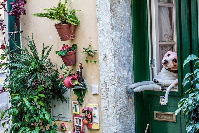 Create Your Own Lisbon Postcard with a Postcard Photographer