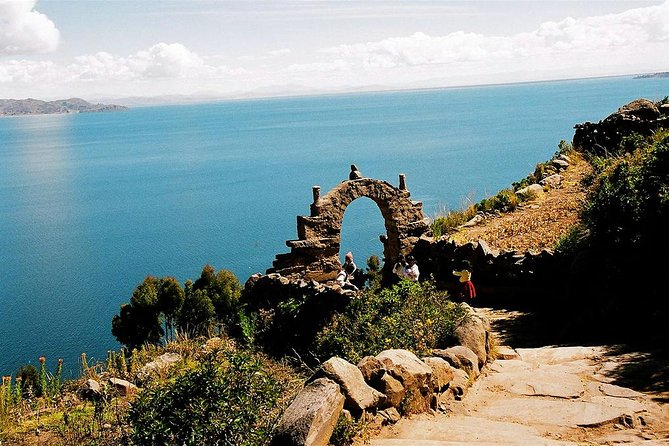 2 days 1 night Lake Titicaca tour: Uros, Amantani and Taquile from Puno