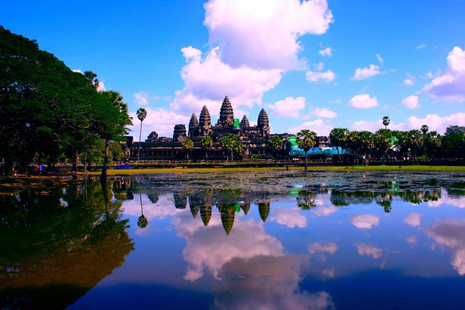 Sunrise Small-Group Angkor Wat Private Tour